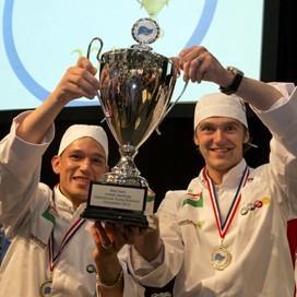 Young butcher Van der Hout in tv-programma Moneymakers