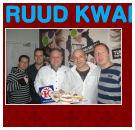 Ruud Bakker trakteert Edwin Evers op rookworst