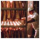Pleidooi voor roken van ham, worst en spek