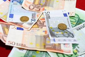 Rabobank ziet economie vallen en opstaan