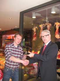 KNS-directeur bezoekt Johan van Uden