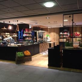 Duitse vleesspecialiteiten van Käfer op Den Haag CS