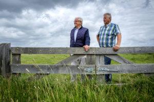 Piet van den Berg (l.) en Gerard de Koning zijn trots op wat ze met hun MRIJ hebben bereikt. Foto: Roel Dijkstra Fotografie