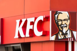 Wakker Dier richt pijlen op Kentucky Fried Chicken (KFC)